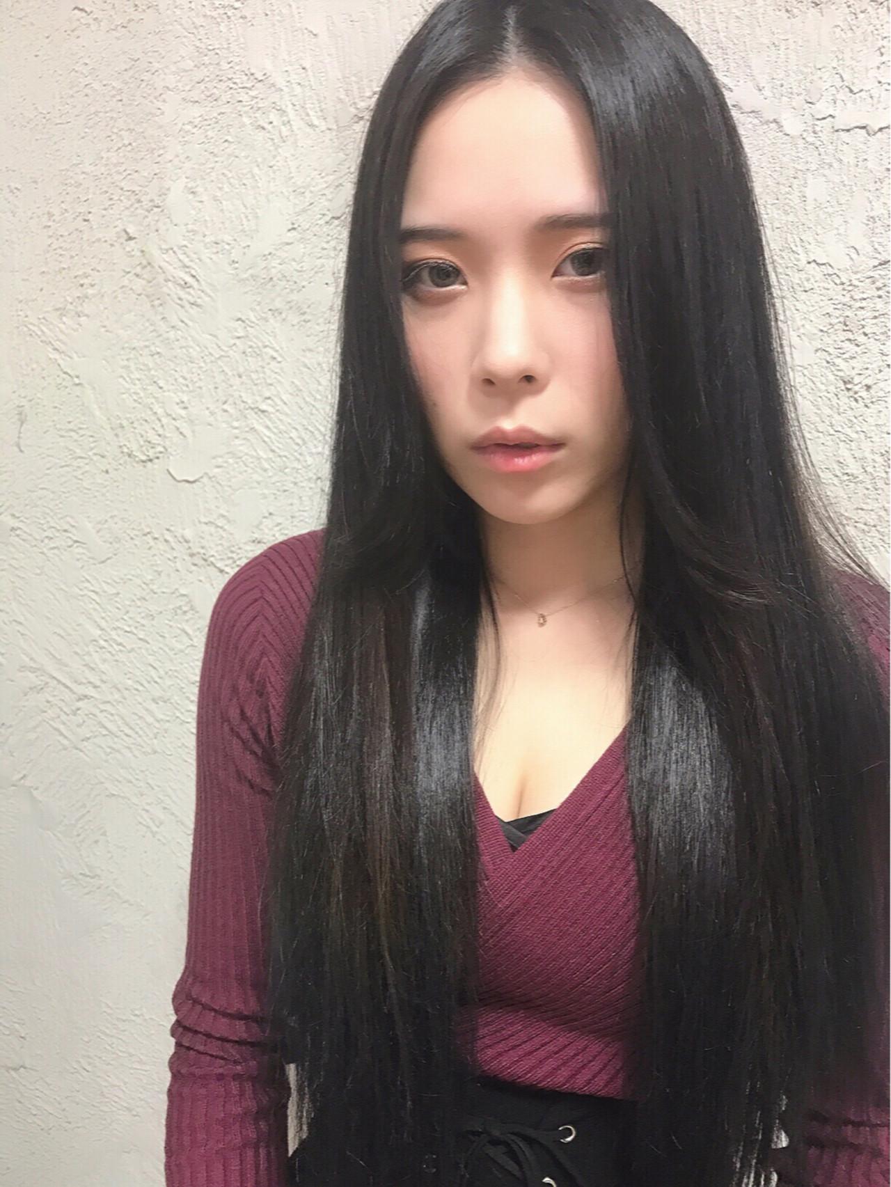 黒髪 ロング 大人女子 こなれ感 ヘアスタイルや髪型の写真・画像   熊谷 公亮 / toiro