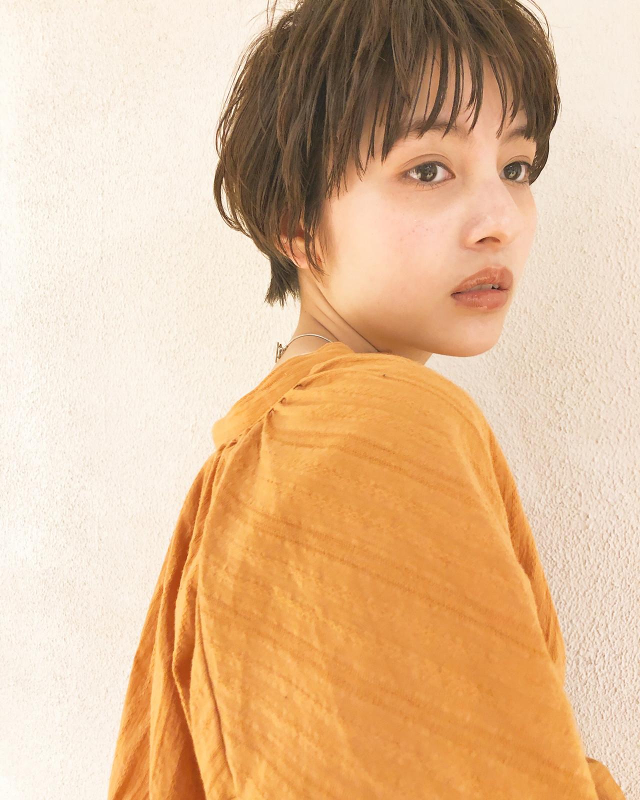 ナチュラルベージュ ヘアアレンジ アンニュイ ハイライト ヘアスタイルや髪型の写真・画像 | Suguru Komuro / Quown'   ( クオン )
