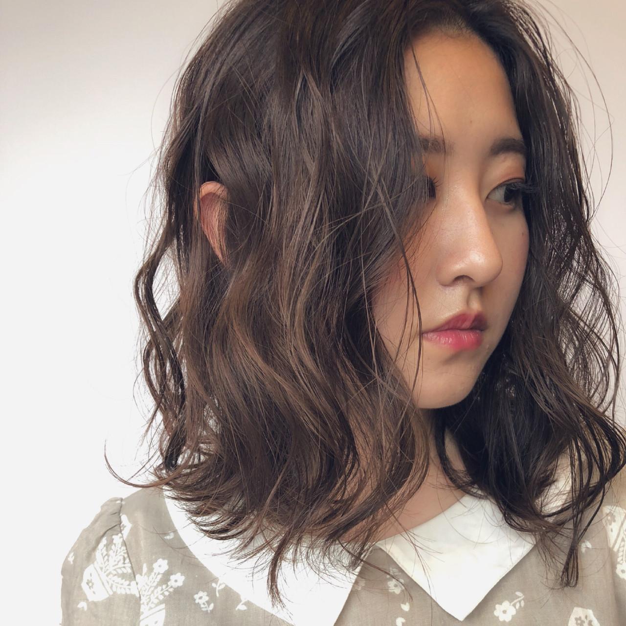 抜け感 デート 外ハネ ロブヘアスタイルや髪型の写真・画像