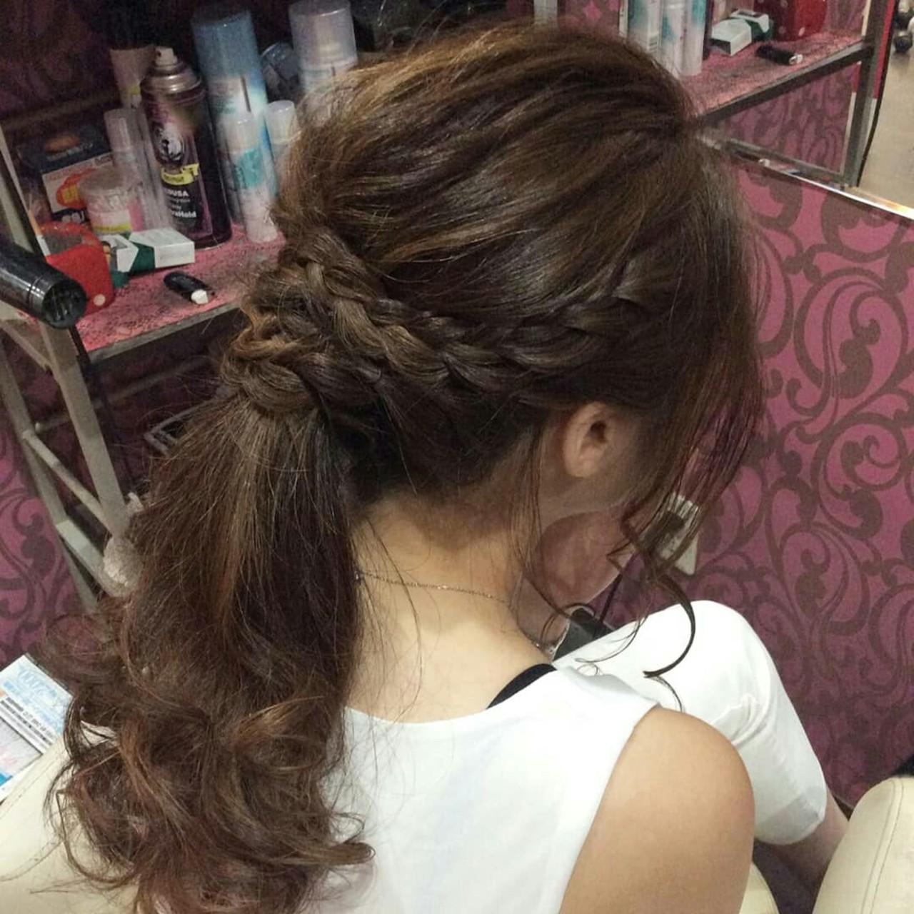 ポニーテール ロング 編み込み ナチュラル ヘアスタイルや髪型の写真・画像 | rumiLINKS美容室 / リンクス美容室