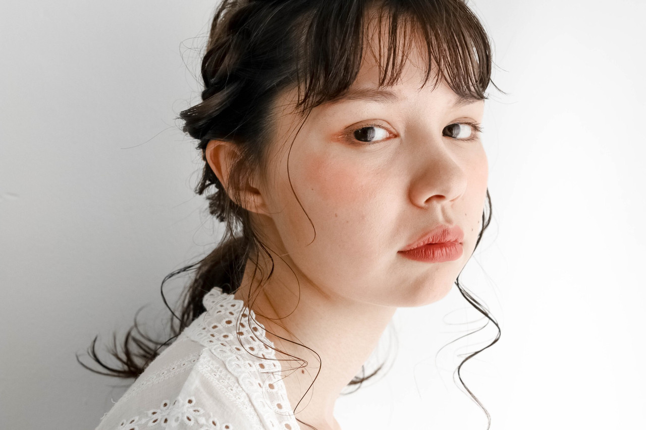 ミルクティーベージュ シアーベージュ 簡単ヘアアレンジ ミディアム ヘアスタイルや髪型の写真・画像   koyori Ootake / Link 表参道