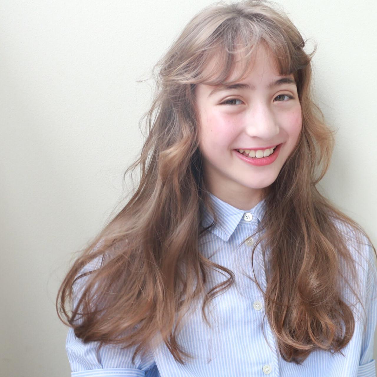 ハイトーン ロング 外国人風 前髪パーマ ヘアスタイルや髪型の写真・画像