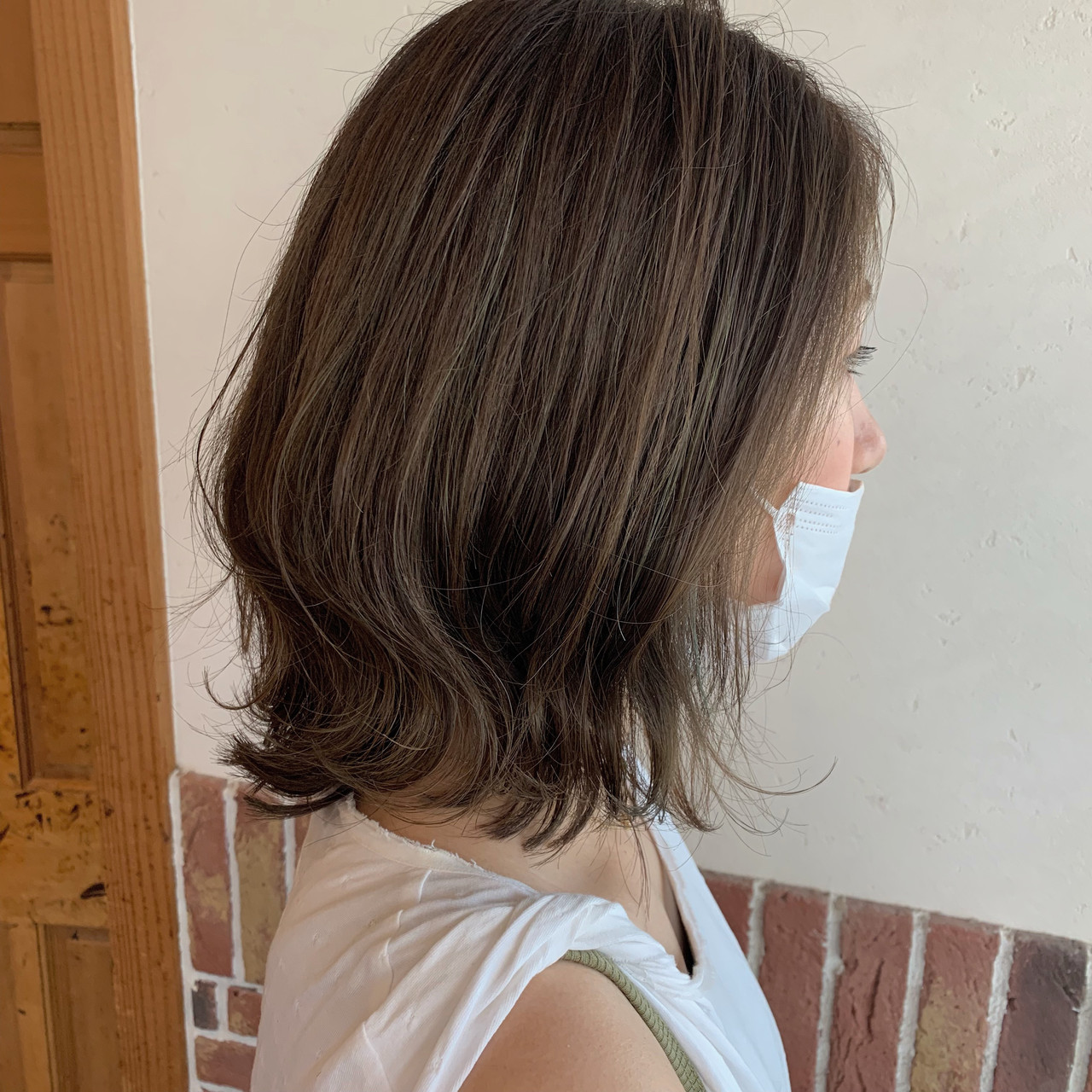 外ハネボブ ボブ ハイライト オリーブベージュ ヘアスタイルや髪型の写真・画像