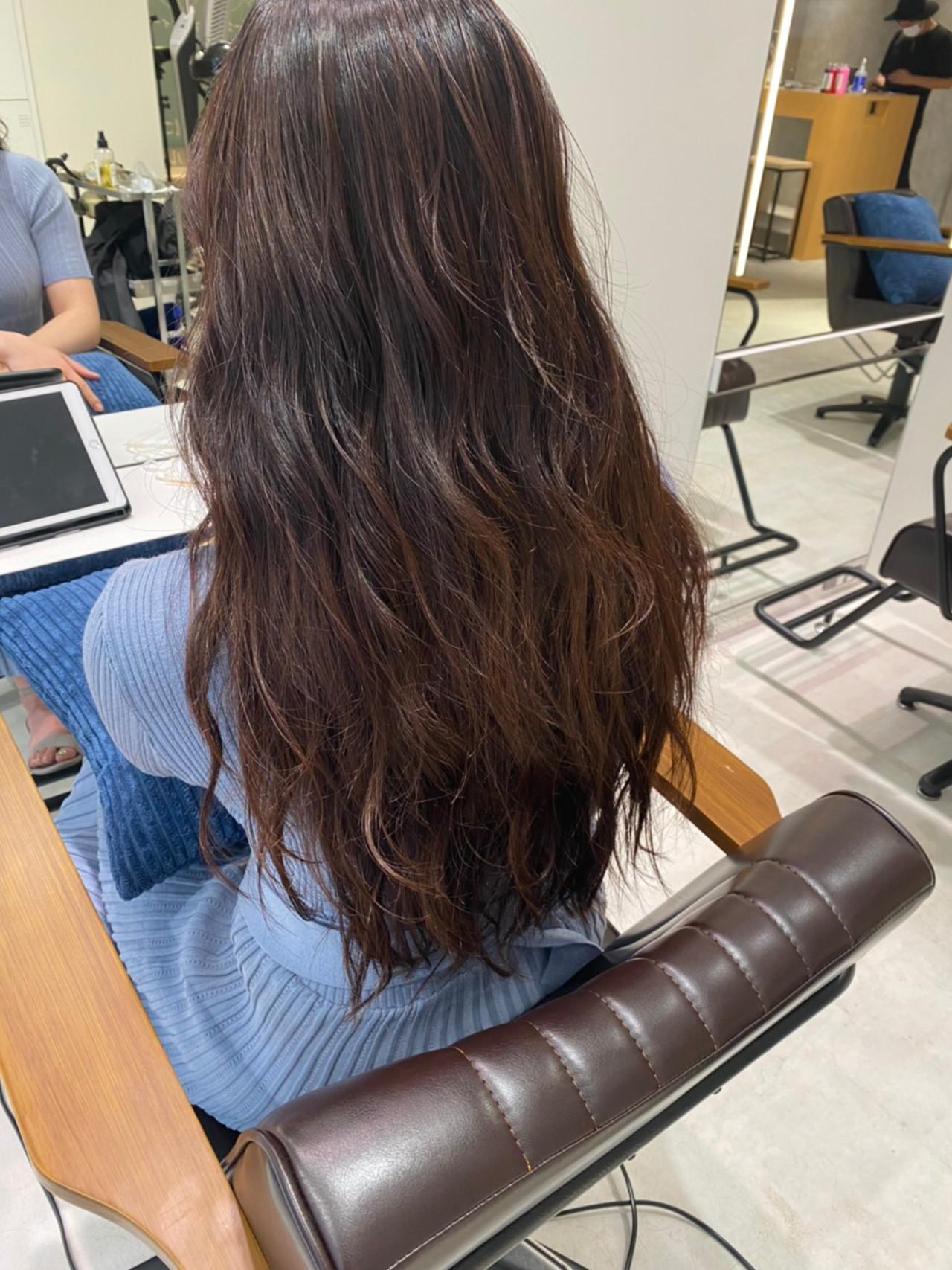 ロング レッドブラウン ピンクブラウン 韓国ヘアヘアスタイルや髪型の写真・画像
