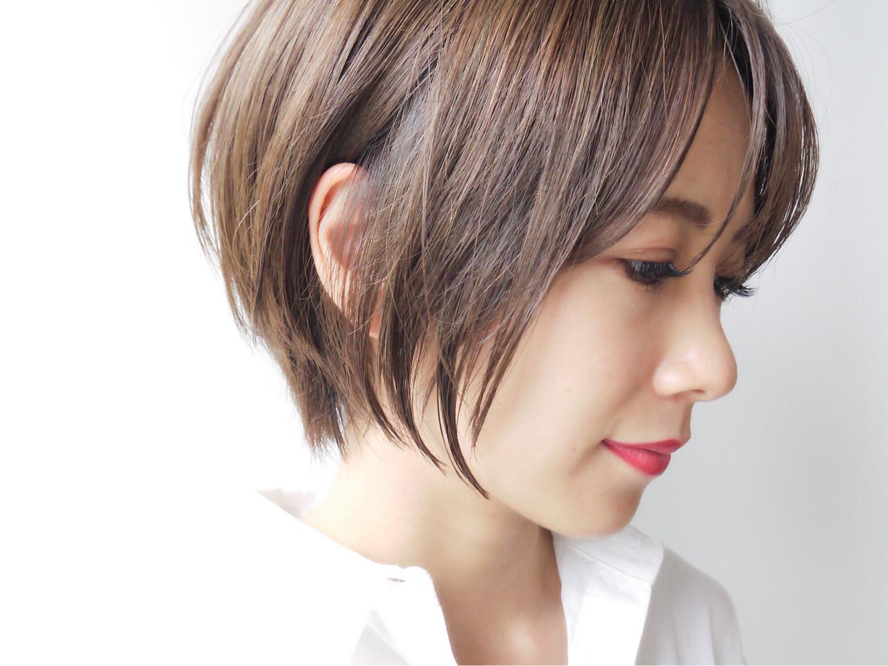ショートボブ オフィス ゆるふわ コンサバ ヘアスタイルや髪型の写真・画像 | HIROKI / roijir / roijir