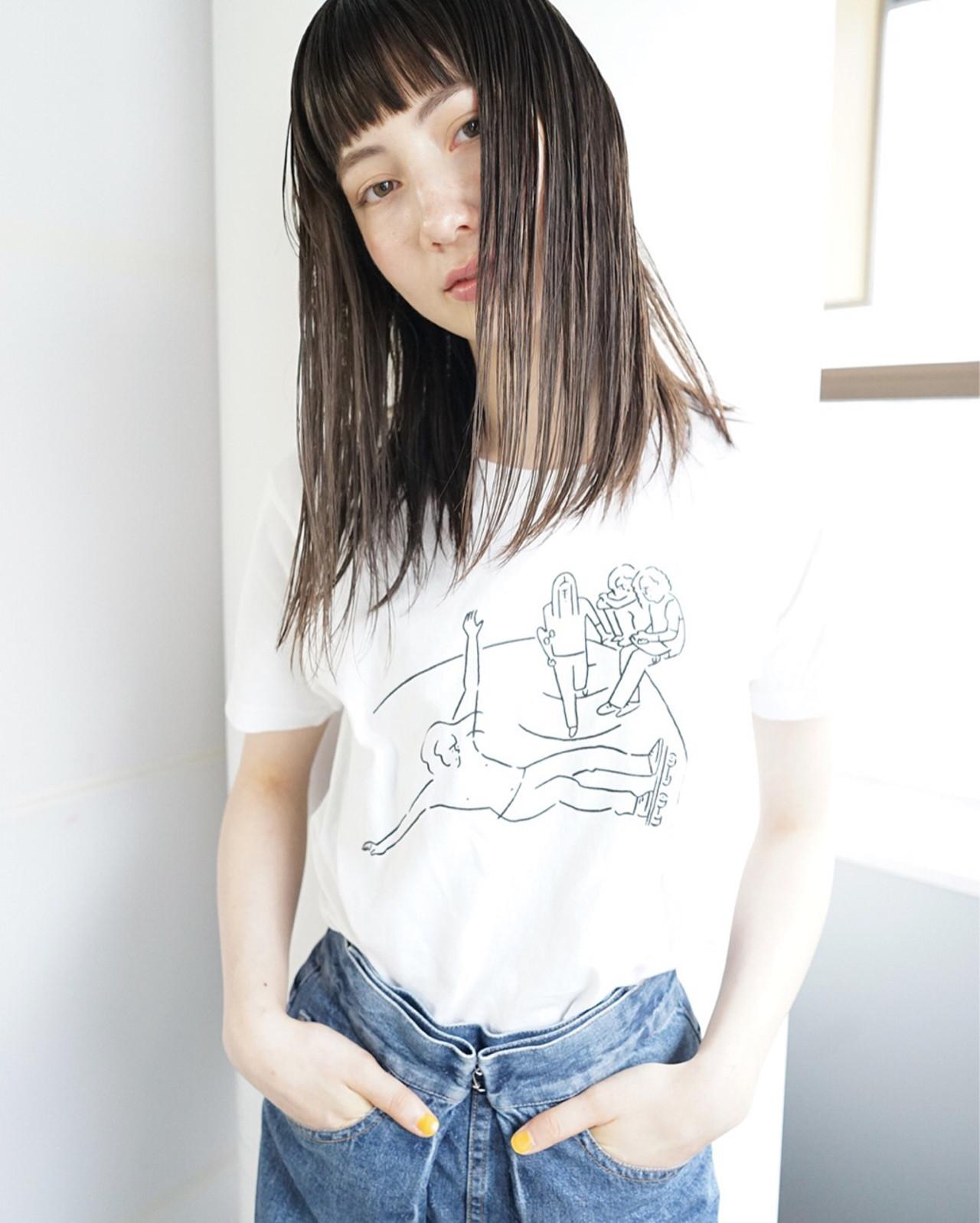 巻き髪ストレートヘア。オシャレに魅せたい、アンニュイスタイル。 佐野 正人 / nanuk