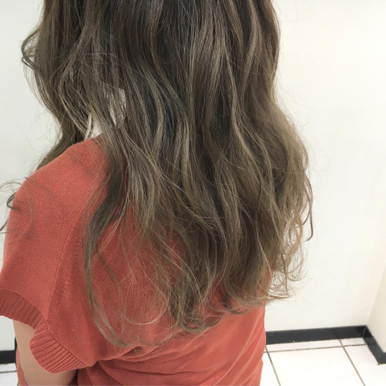 グラデーションカラー 外国人風カラー 透明感 アッシュ ヘアスタイルや髪型の写真・画像 | 齊藤 禎 / AUBE hair gran