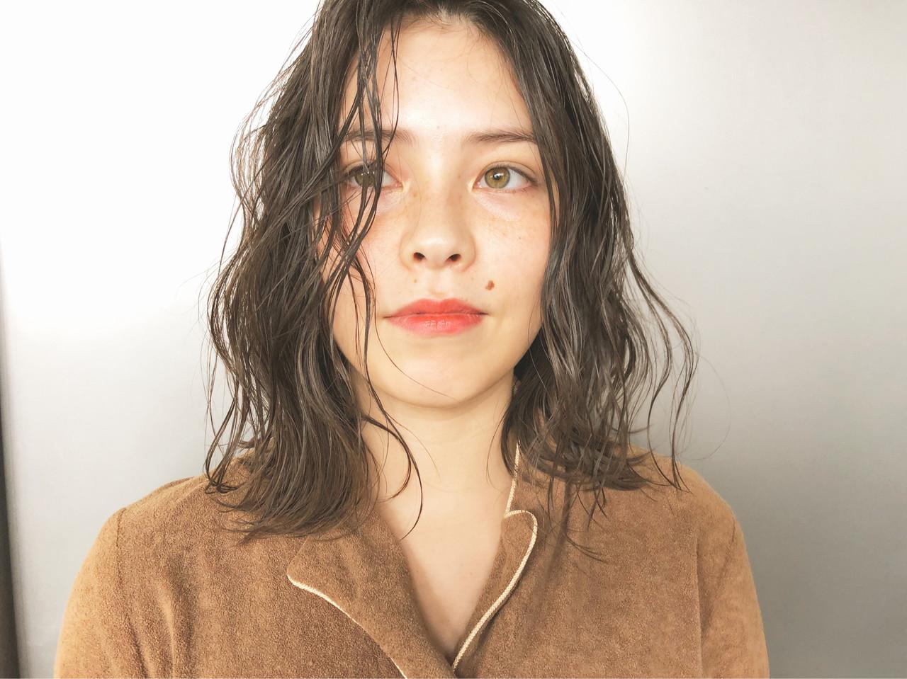 ベージュ ナチュラルベージュ ナチュラル ミディアム ヘアスタイルや髪型の写真・画像 | Suguru Komuro / Quown'   ( クオン )