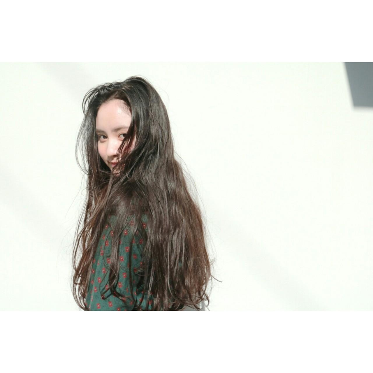 ロング こなれ感 黒髪 デート ヘアスタイルや髪型の写真・画像 | 丸山悟 / DEARL