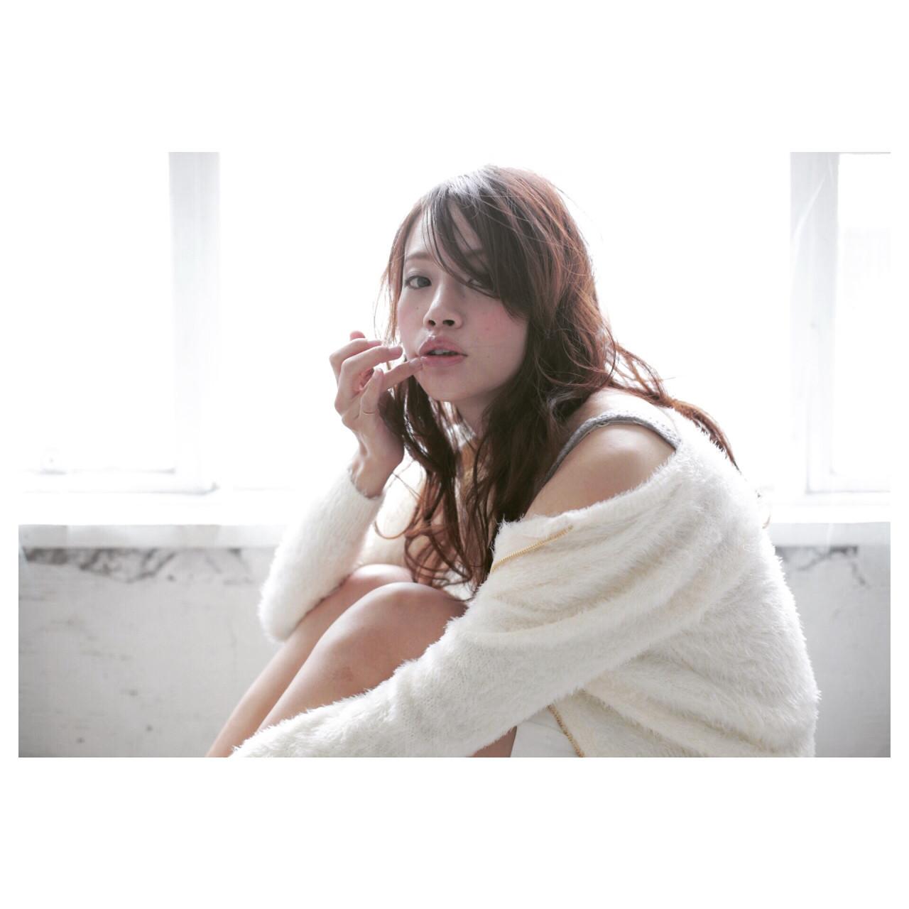 フェミニン 外国人風 ロング 大人かわいい ヘアスタイルや髪型の写真・画像 | 吉岡良泰 / AlicE