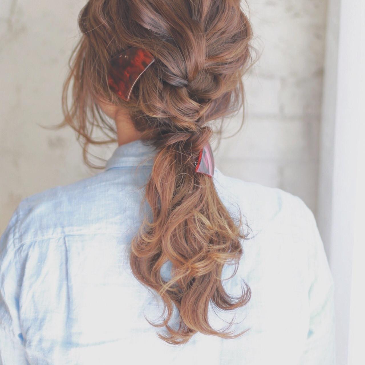 簡単ヘアアレンジ アッシュ ブラウン ショートヘアスタイルや髪型の写真・画像