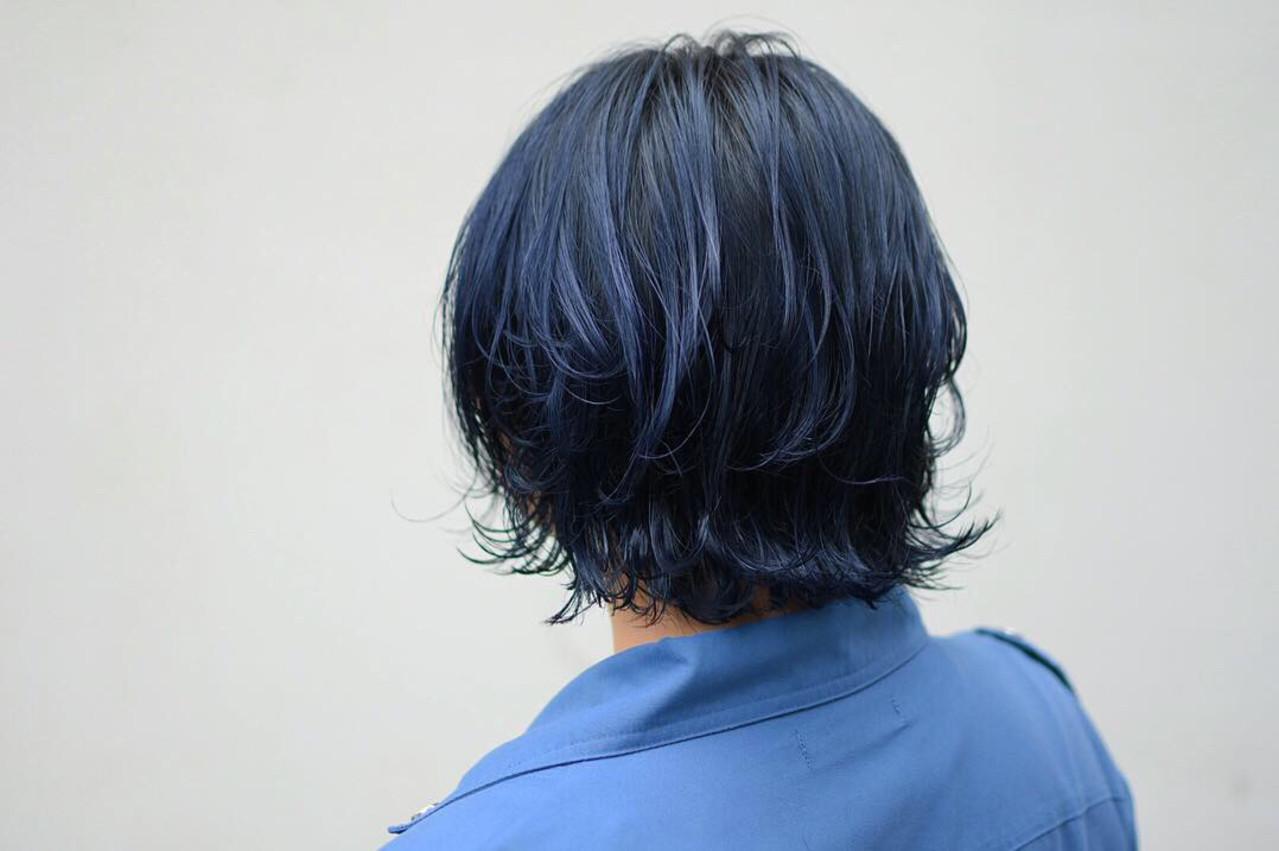 ダブルカラー ボブ ストリート ネイビーカラーヘアスタイルや髪型の写真・画像