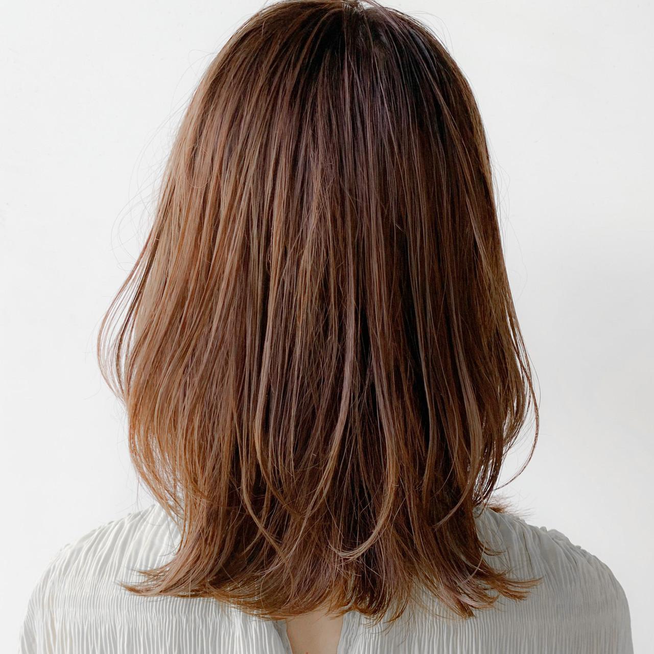 鎖骨ミディアム シースルーバング 外国人風カラー 艶髪ヘアスタイルや髪型の写真・画像