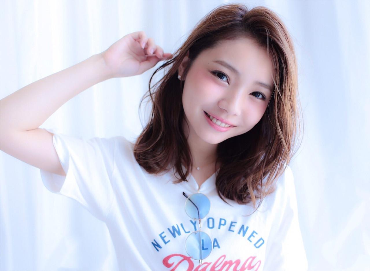 ストリート 大人かわいい 外国人風 ミディアム ヘアスタイルや髪型の写真・画像 | Rina Otani /