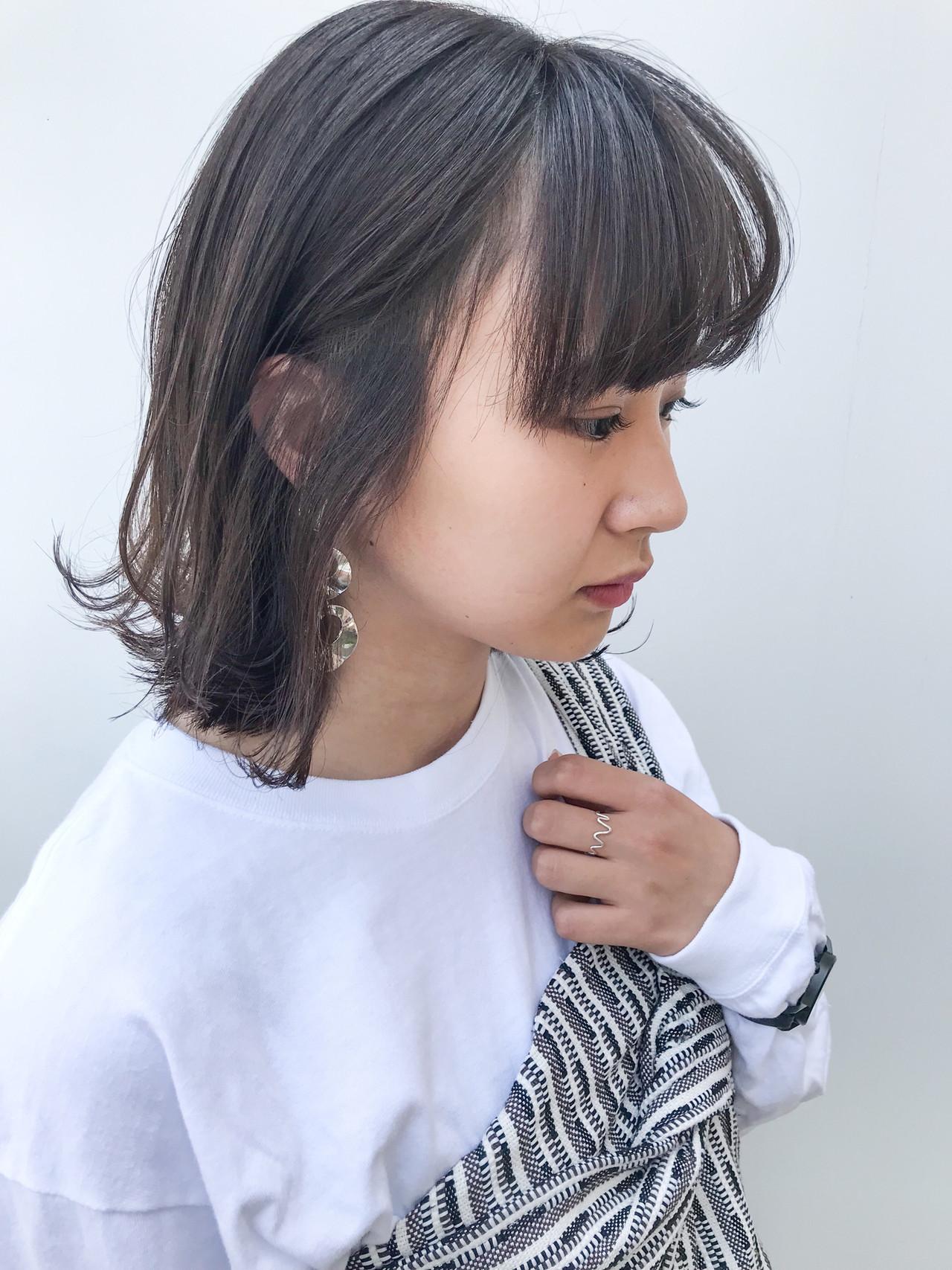 ミディアム 横顔美人 オフィス コンサバ ヘアスタイルや髪型の写真・画像 | HIROKI / roijir / roijir