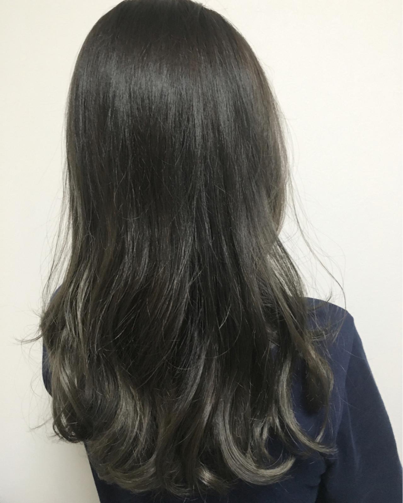 アッシュ グレージュ グラデーションカラー ストリート ヘアスタイルや髪型の写真・画像   西村 武士 / LAVIERE