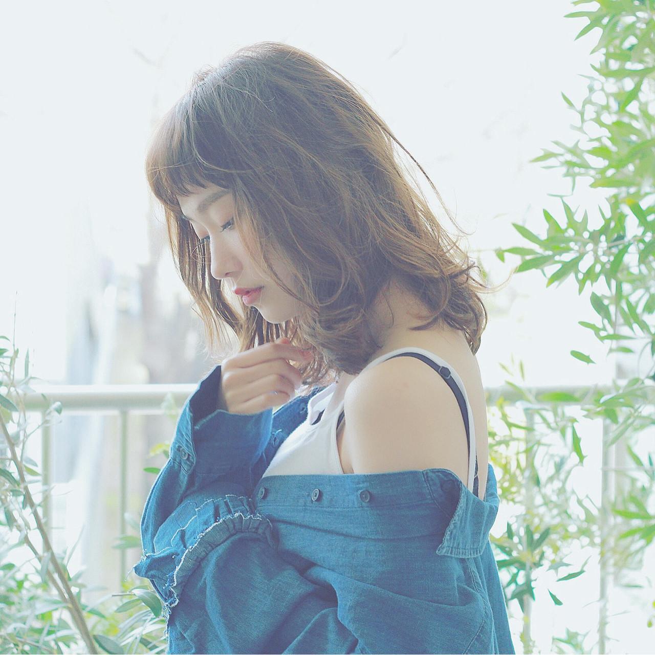 ウェーブ 透明感 大人かわいい 外ハネ ヘアスタイルや髪型の写真・画像   須賀 ユウスケ / Rizm