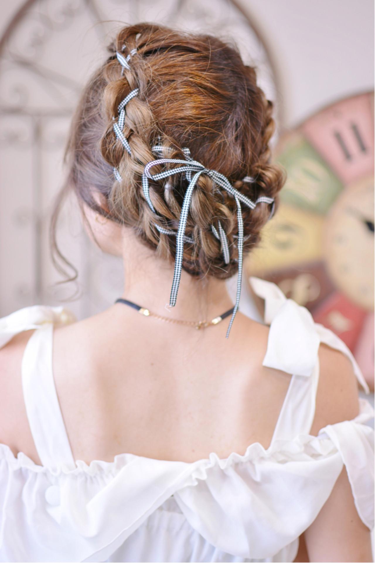フェミニン 簡単ヘアアレンジ ヘアアレンジ 透明感 ヘアスタイルや髪型の写真・画像   Shiko Kajihara / メイズ