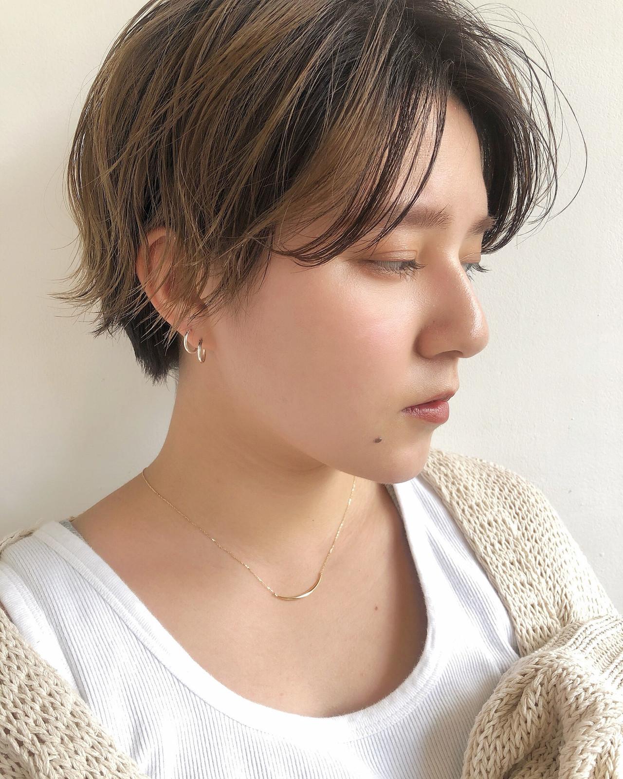 ミルクティーベージュ ショート ハンサムショート ダブルカラーヘアスタイルや髪型の写真・画像