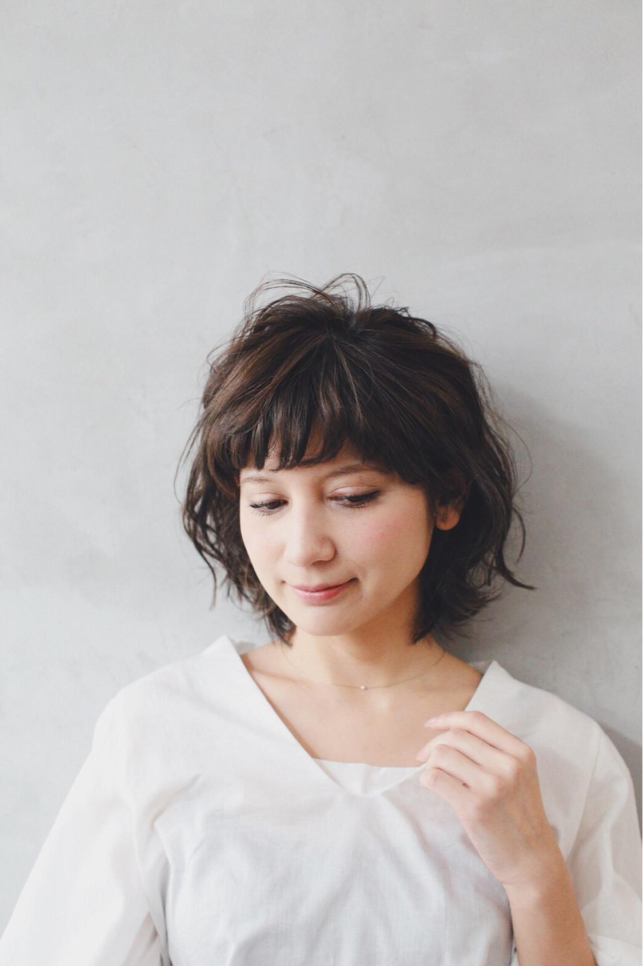 グレージュ ゆるふわ 外国人風カラー アッシュヘアスタイルや髪型の写真・画像