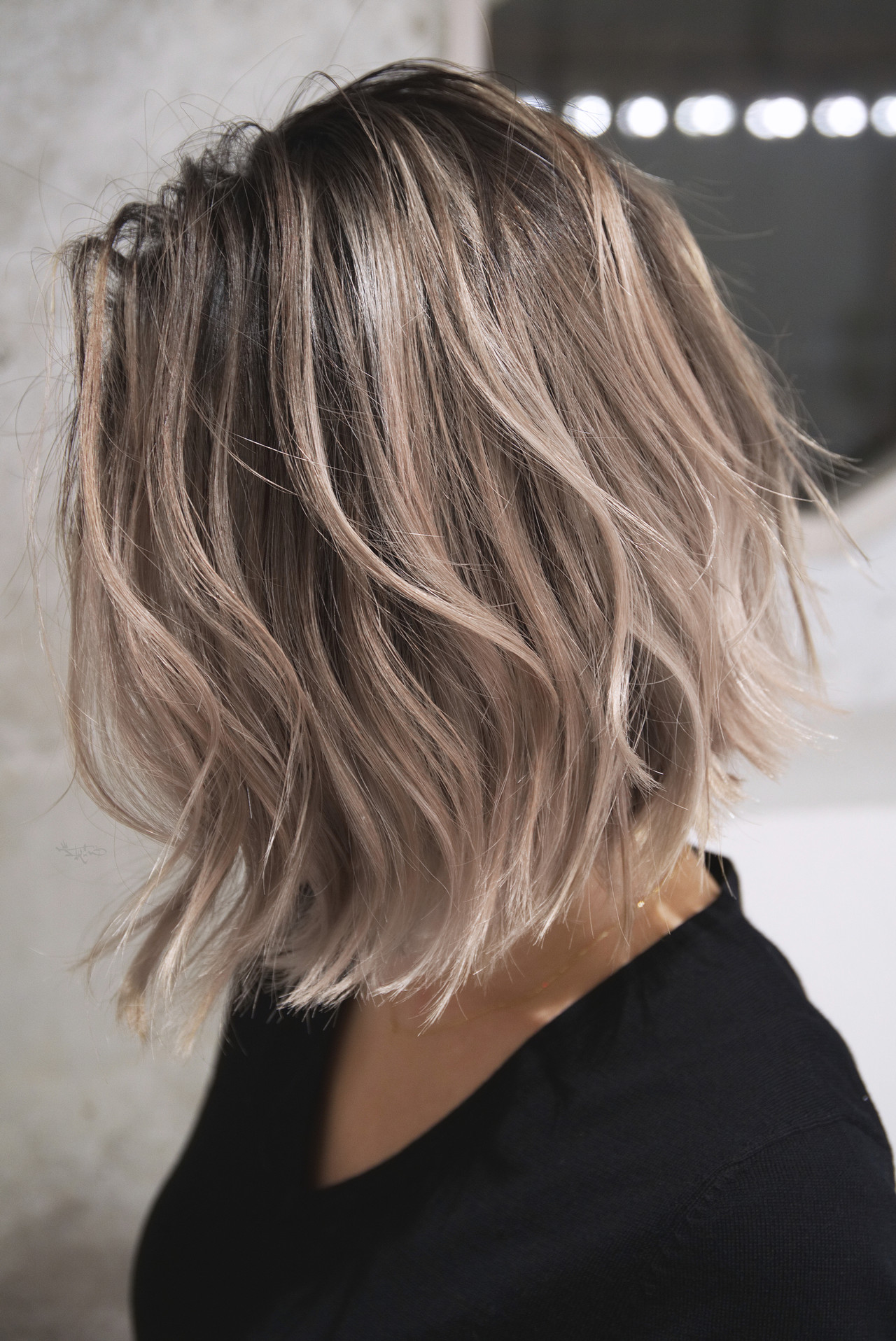 グレージュ ハイライト ローライト バレイヤージュ ヘアスタイルや髪型の写真・画像 | TAKEMI / BEBE 表参道