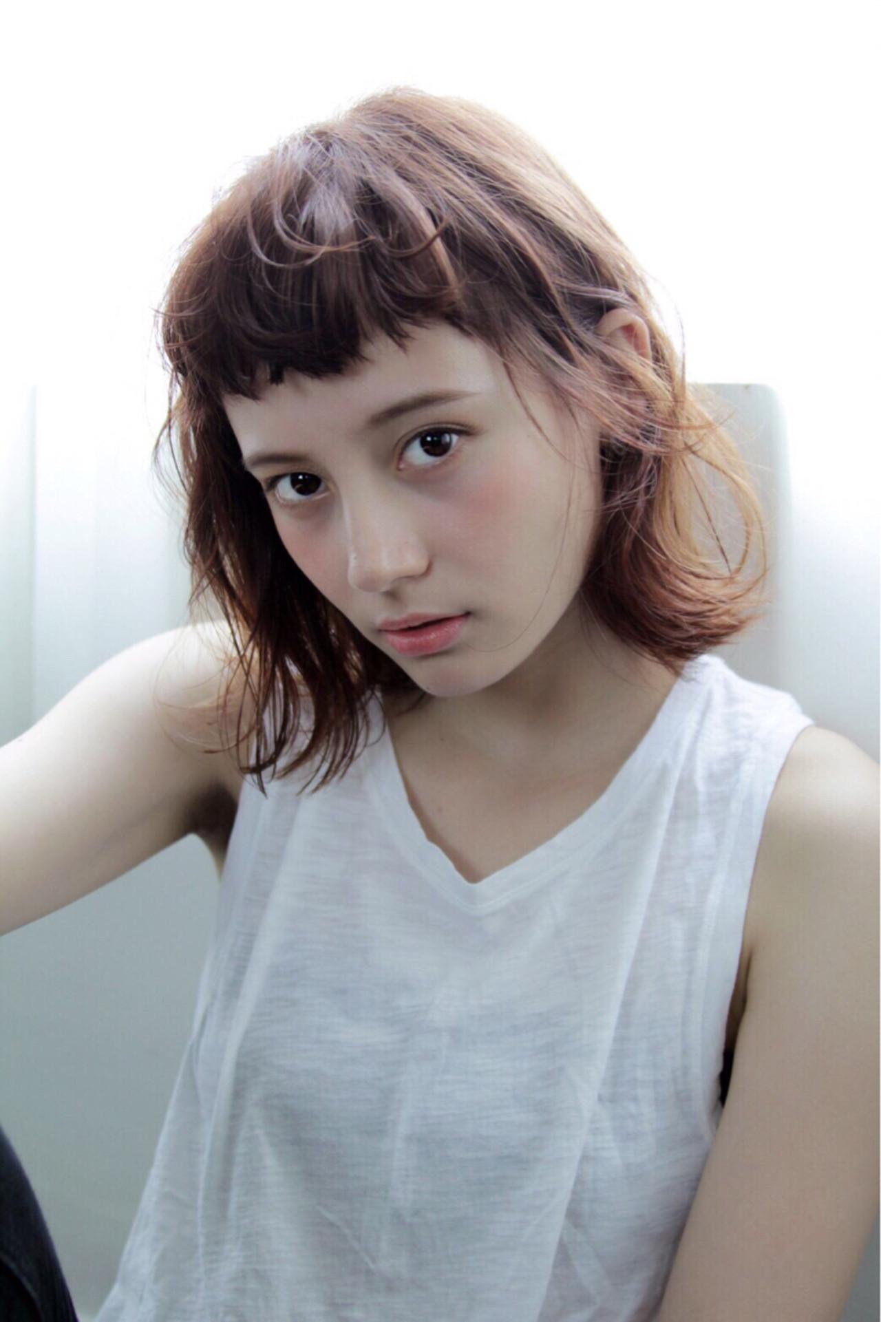 切りっぱなし 外ハネ ナチュラル ピュアヘアスタイルや髪型の写真・画像