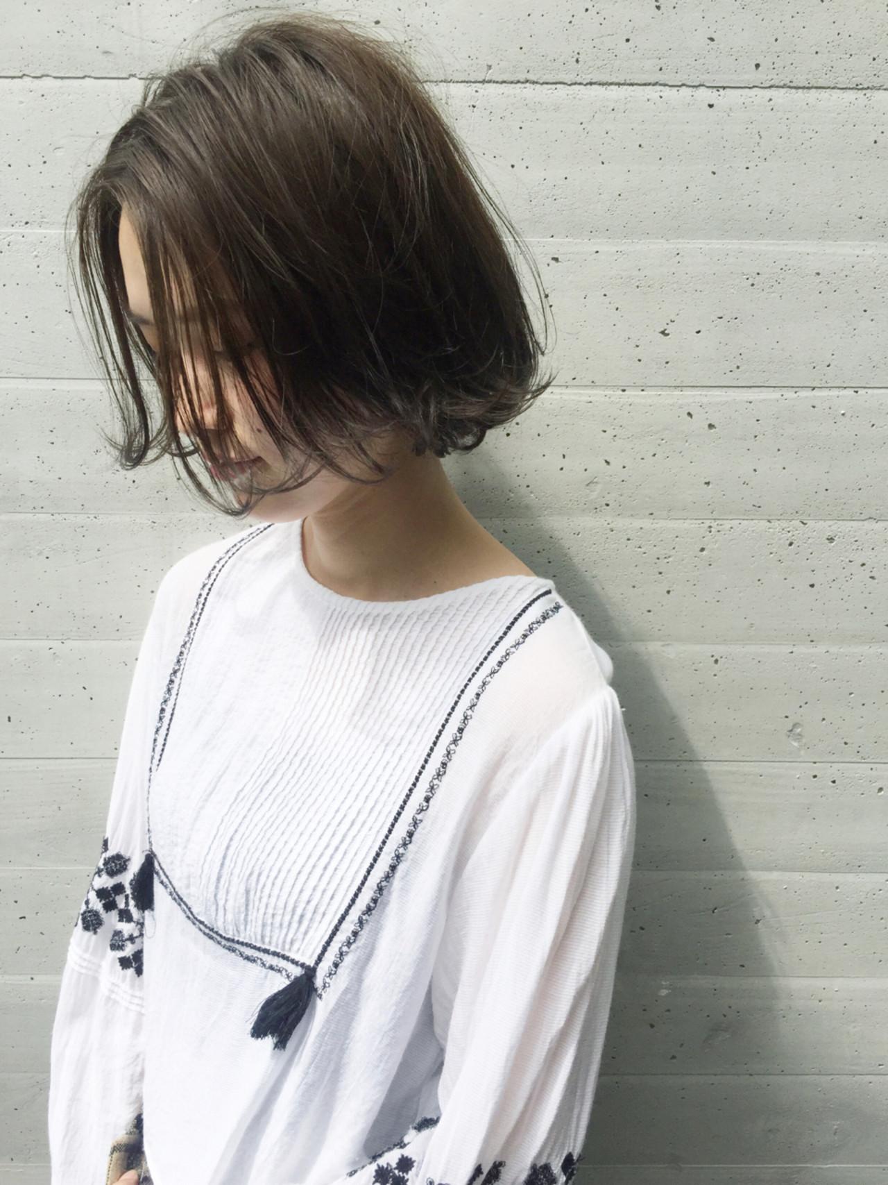 外国人風 アッシュ ナチュラル 暗髪 ヘアスタイルや髪型の写真・画像 | OYAMA KENICHI / BALLOON HAIR