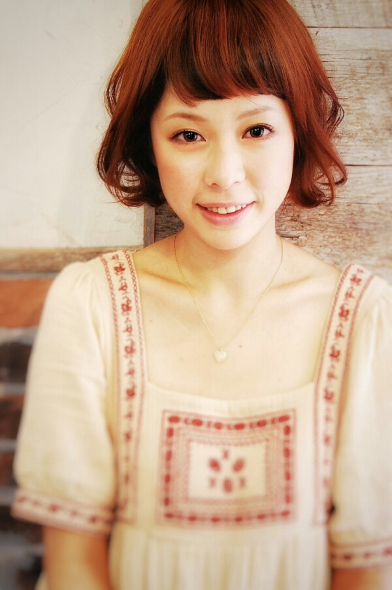 外国人風 フェミニン ボブ 外ハネ ヘアスタイルや髪型の写真・画像   WASHIZU / eyes