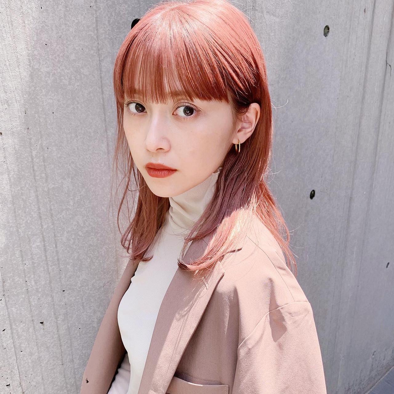 ベリーピンク ピンク ピンクアッシュ ガーリーヘアスタイルや髪型の写真・画像