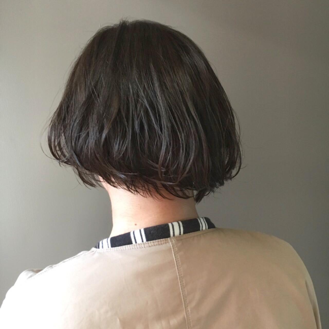 アッシュ ボブ ミルクティー ショートヘアスタイルや髪型の写真・画像