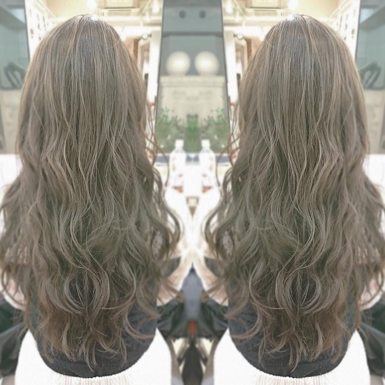 グレージュ ヘアアレンジ 外国人風 ロング ヘアスタイルや髪型の写真・画像 | AKIL'A / NEEL