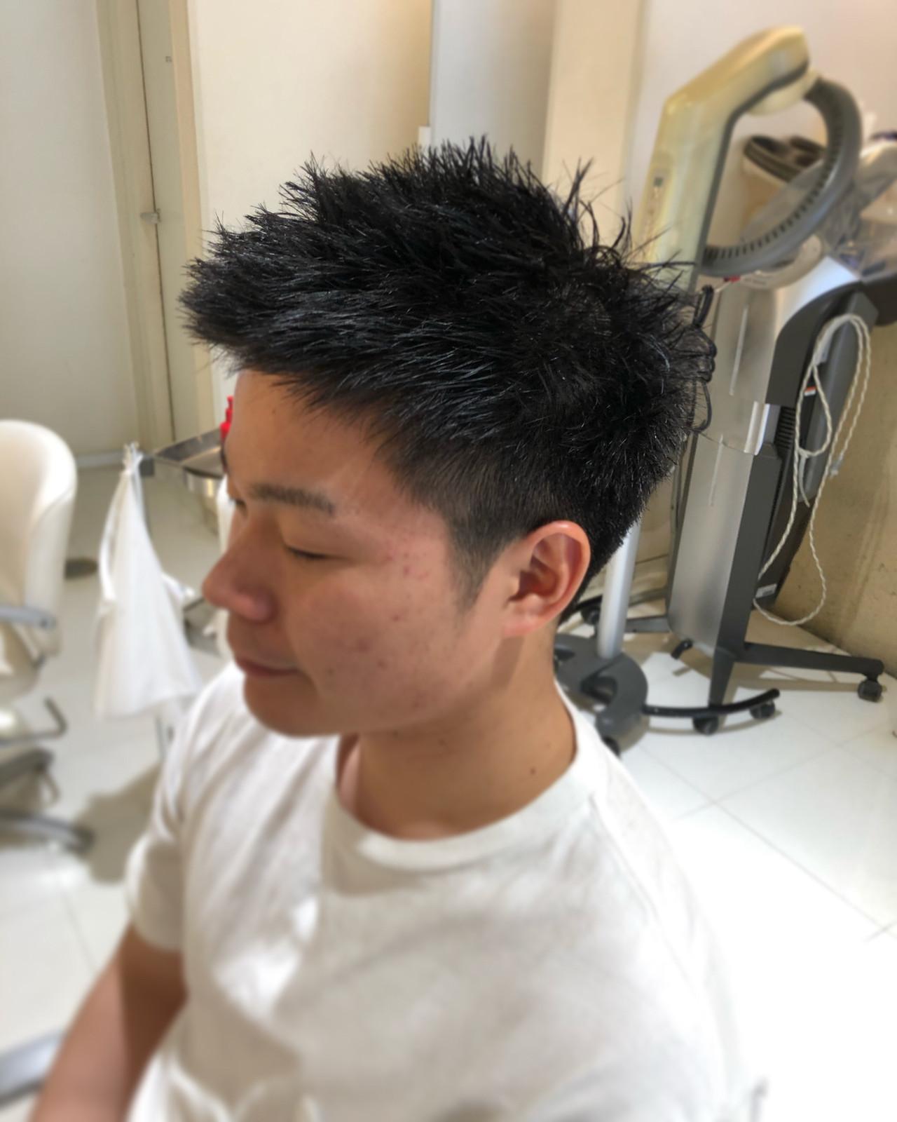 ツーブロック ショート 黒髪 刈り上げ ヘアスタイルや髪型の写真・画像 | 三好 怜志 / L.FORT HAIR