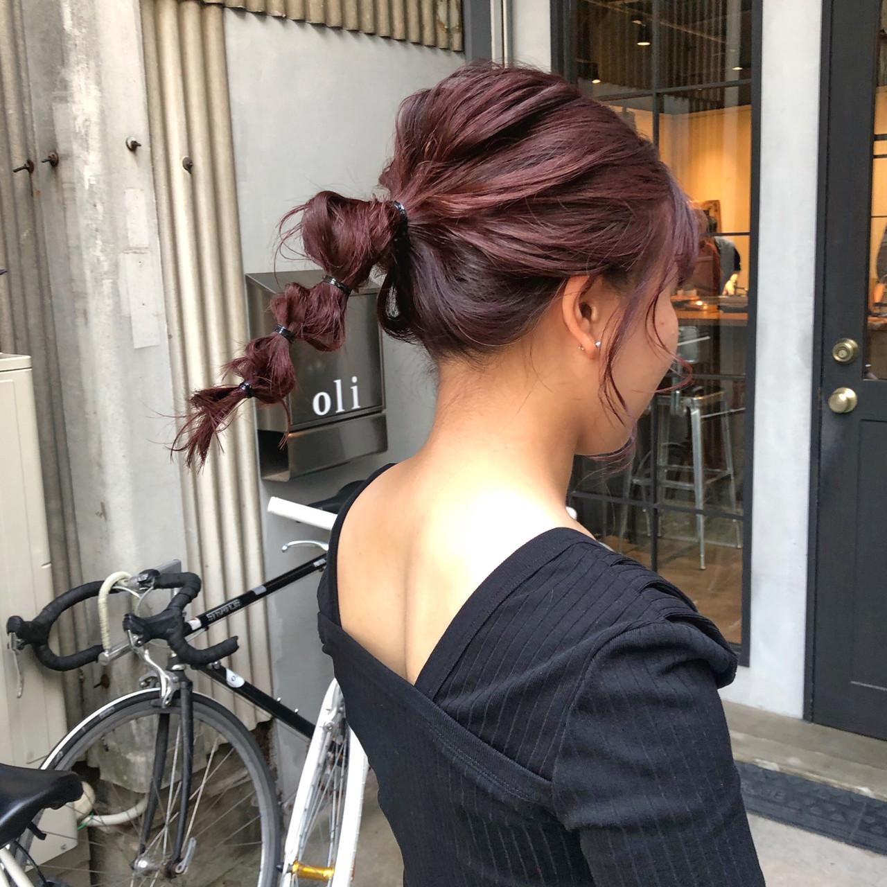 簡単ヘアアレンジ レッド ガーリー ヘアアレンジ ヘアスタイルや髪型の写真・画像 | 藤田成美 / bado