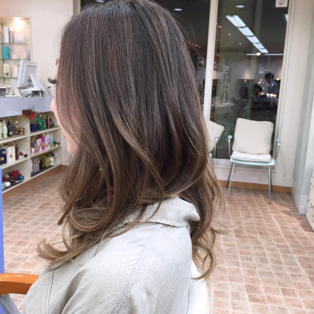外国人風 ハイライト グラデーションカラー コンサバ ヘアスタイルや髪型の写真・画像 | YSO / 電髪倶楽部street