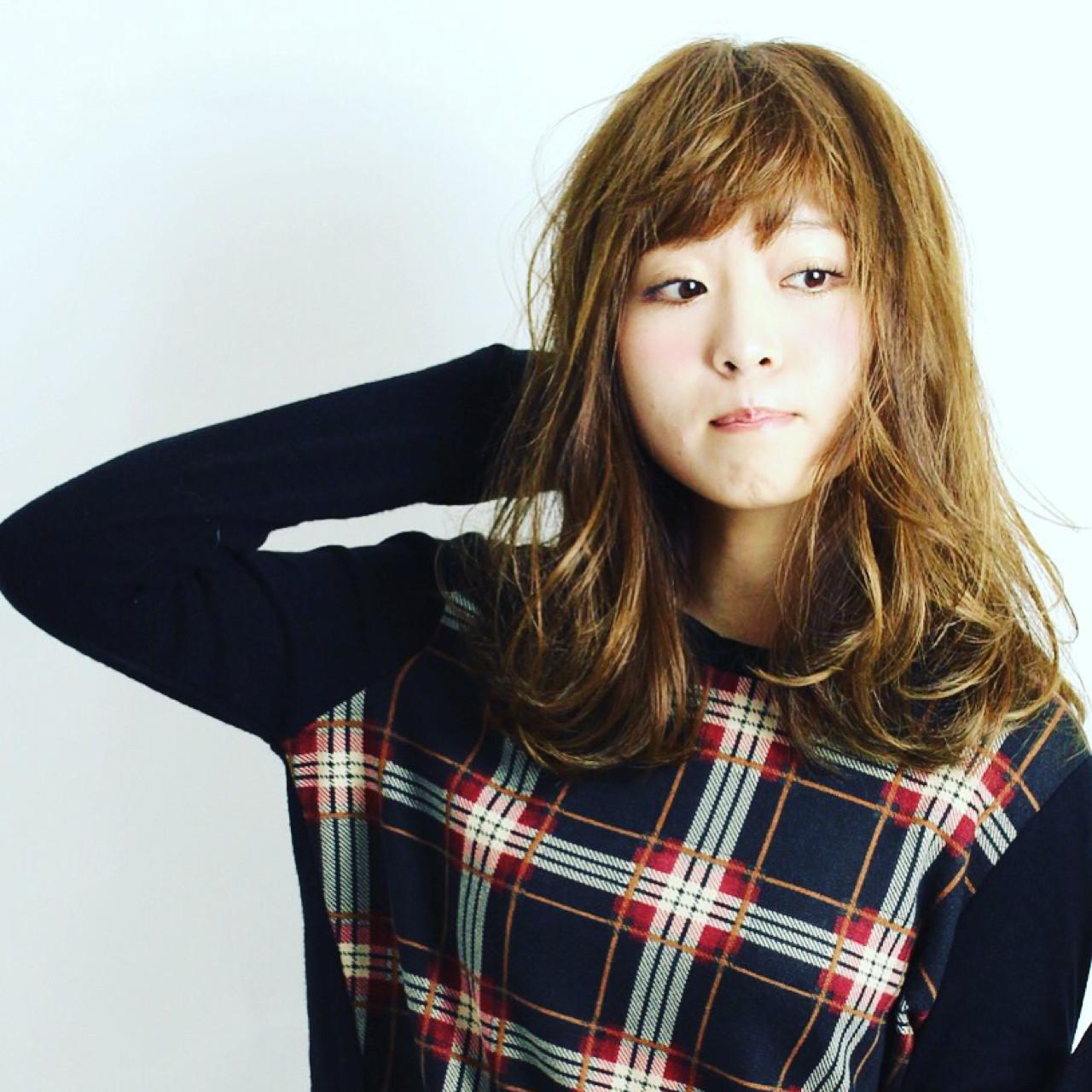 大人かわいい セミロング パーマ ゆるふわ ヘアスタイルや髪型の写真・画像 | Kyohei Konishi / OfHAIR表参道店