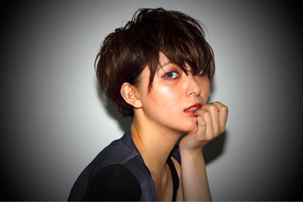 ショート かっこいい アッシュ モード ヘアスタイルや髪型の写真・画像 | 安永 唯 /