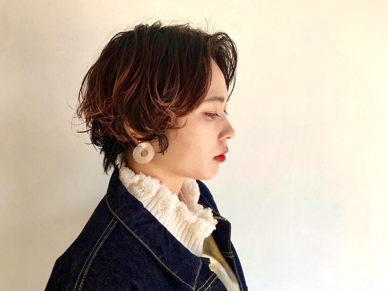 無造作パーマ アップバング ゆるふわパーマ ショート ヘアスタイルや髪型の写真・画像 | toonoe naoki / yoha ku / ヨハ ク