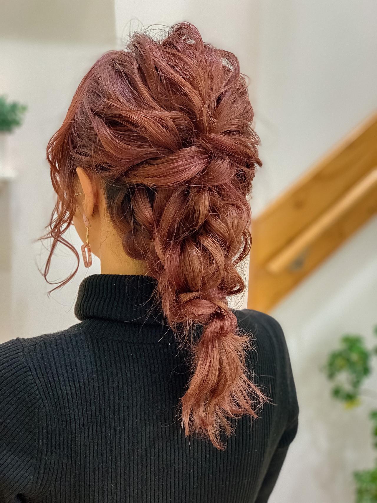 ピンクアッシュ ミディアム 波ウェーブ ヘアアレンジ ヘアスタイルや髪型の写真・画像 | 新井田 勝茂 / Belle Lecheveu