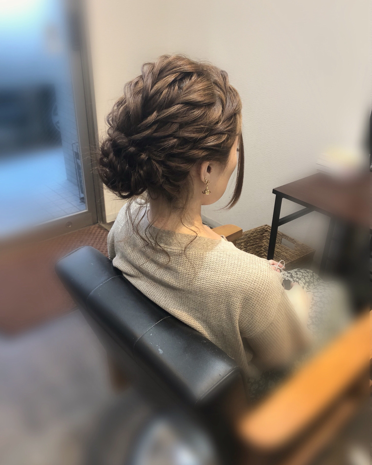 ヘアアレンジ ねじり セミロング フェミニン ヘアスタイルや髪型の写真・画像 | mai / HAIR SALON STELLA