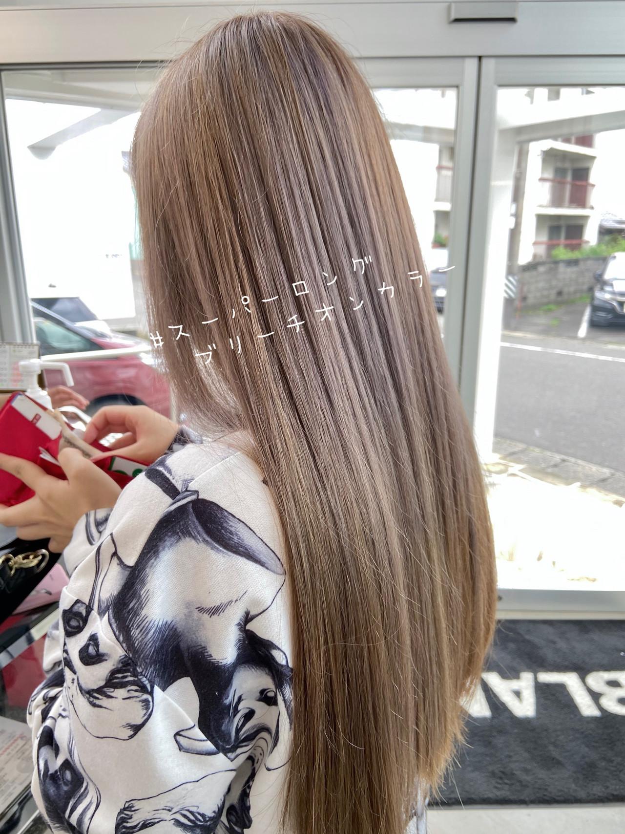 ロング ミルクティーベージュ ブリーチオンカラー ベージュヘアスタイルや髪型の写真・画像