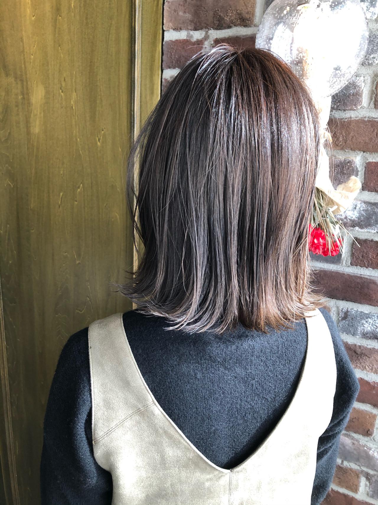 ミディアム ナチュラル 切りっぱなしボブ 外ハネヘアスタイルや髪型の写真・画像
