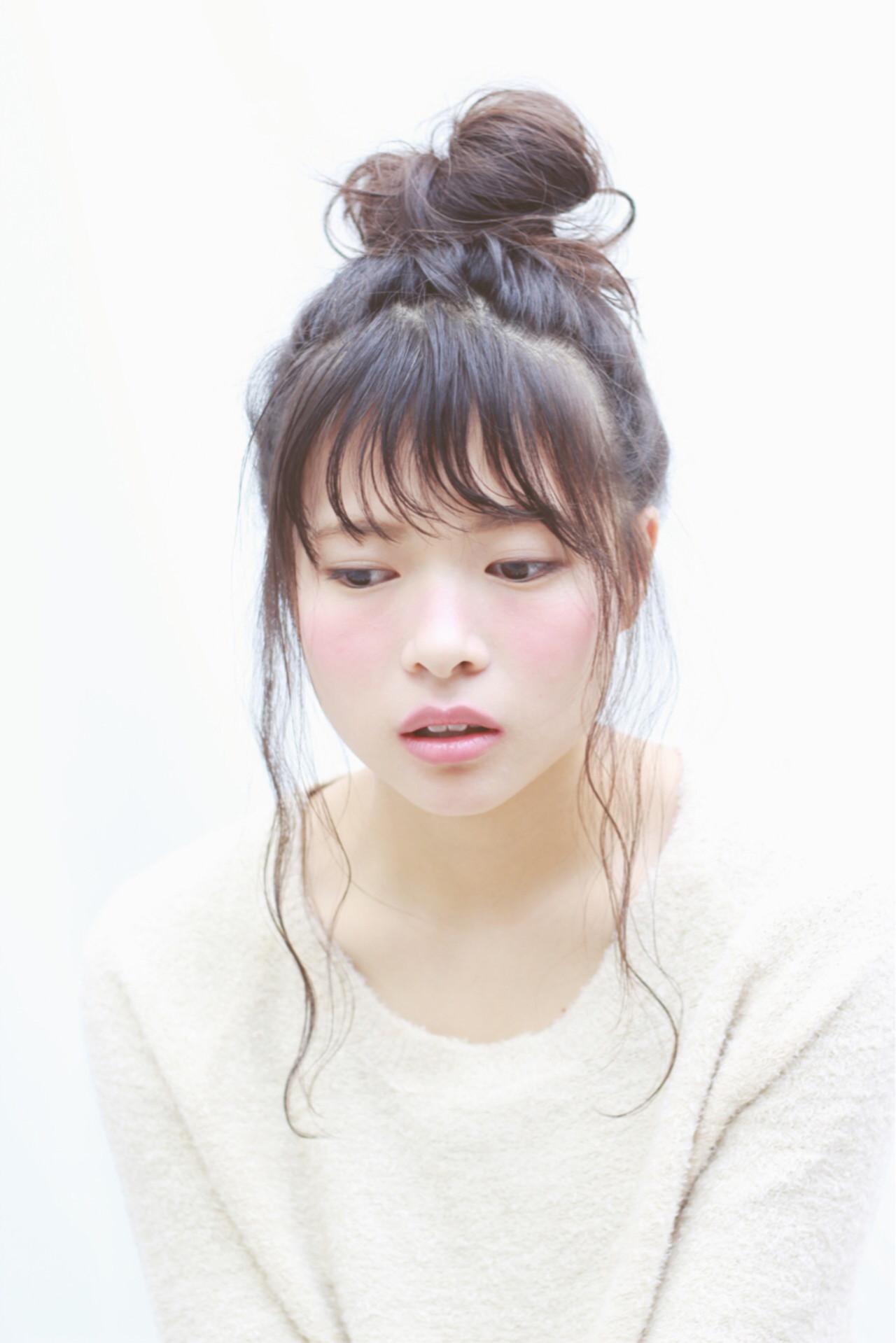 """ミディアムでもOK♡簡単かわいいアレンジなら""""おだんごヘア""""! 大谷 伶美 / brace"""