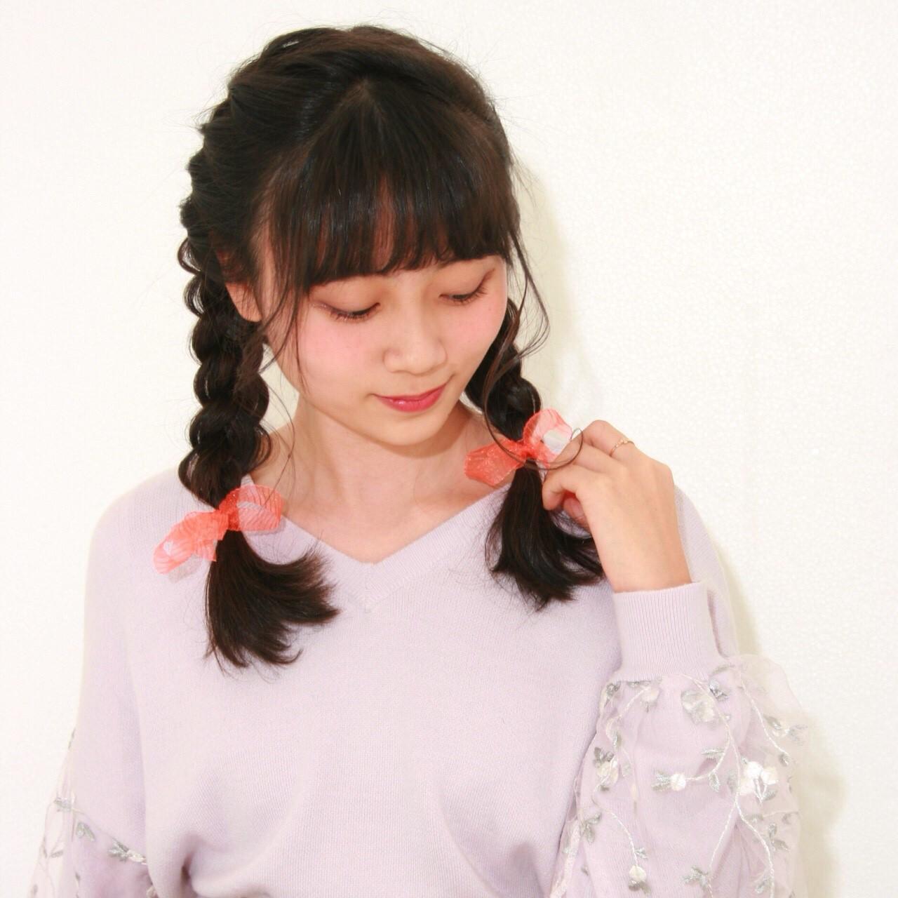 ヘアアレンジ セミロング ガーリー 三つ編み ヘアスタイルや髪型の写真・画像 | 青木遥 /