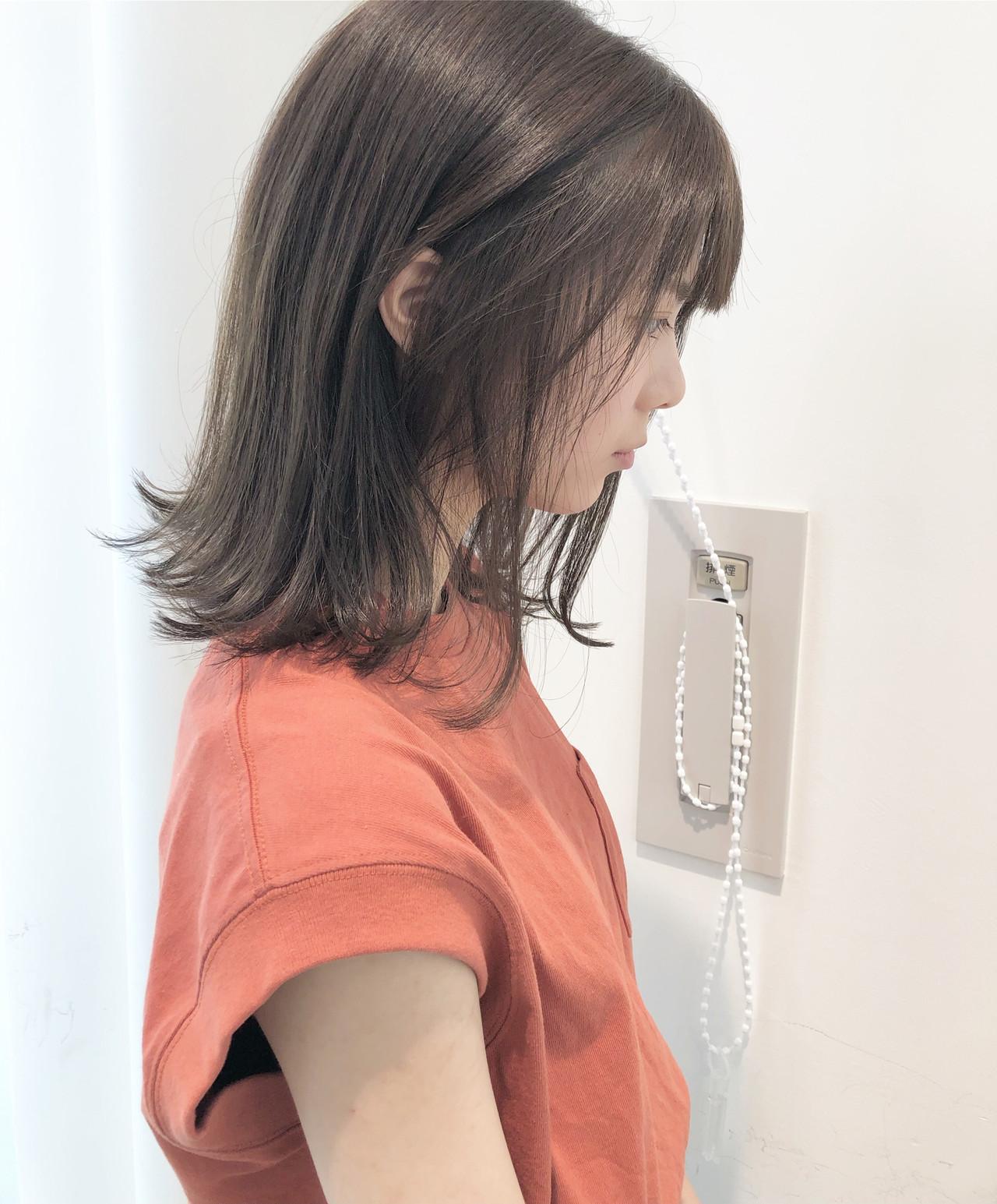ナチュラル 外ハネ グレージュ ヘアアレンジ ヘアスタイルや髪型の写真・画像 | 市岡 久 / BLANCOtres