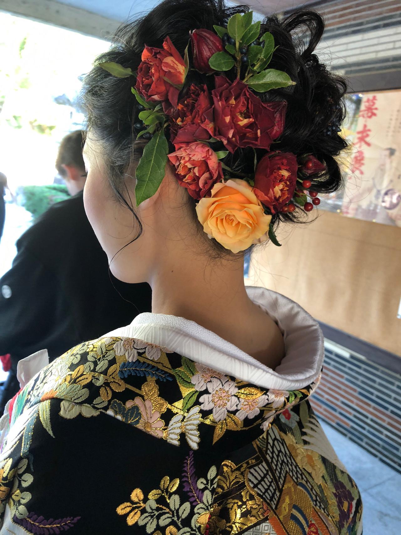 生花アレンジ エレガント 福岡市 結婚式 ヘアスタイルや髪型の写真・画像   ayano ura / hairmakeFULL