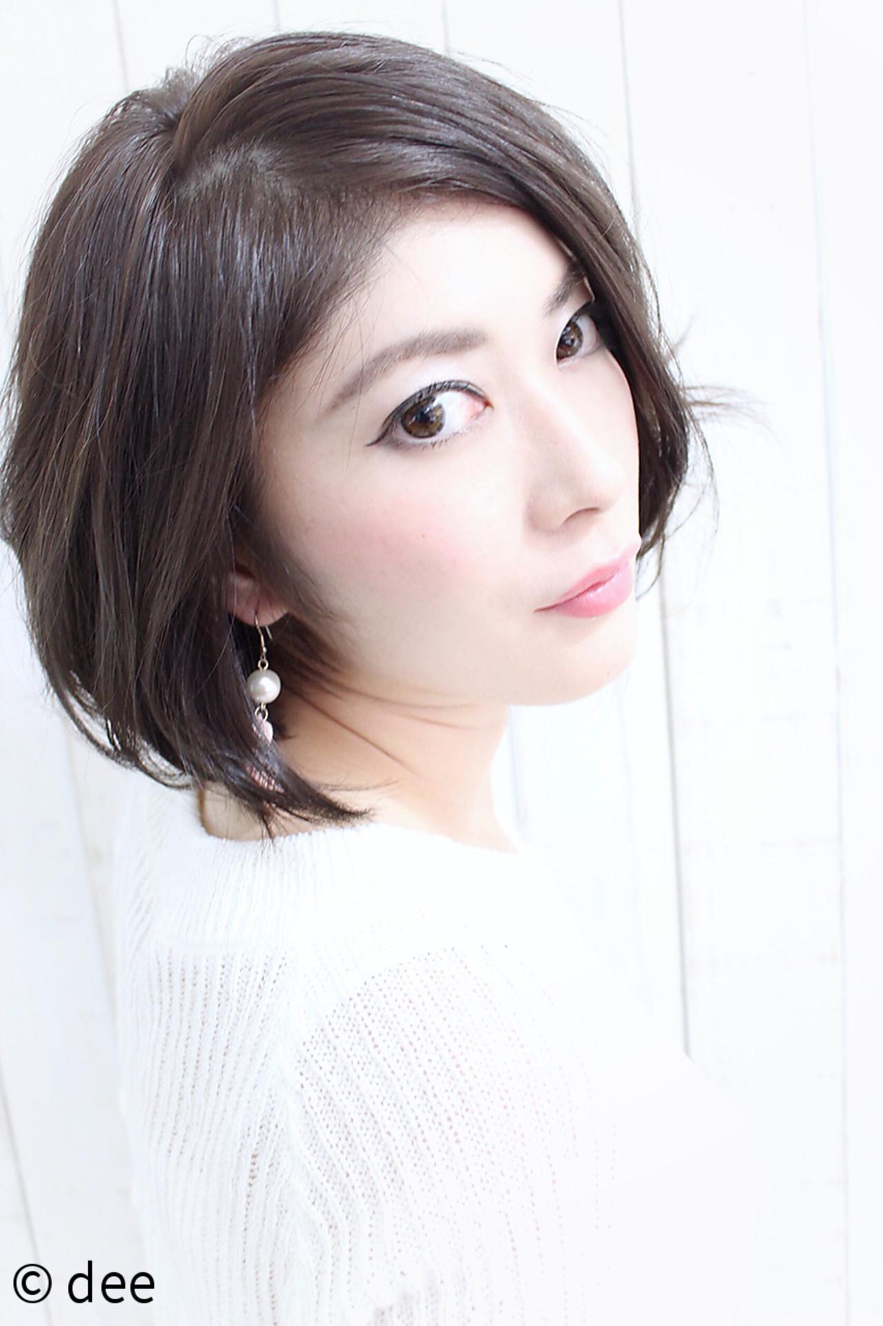 暗髪 大人かわいい グレージュ 大人女子 ヘアスタイルや髪型の写真・画像 | dee / dee
