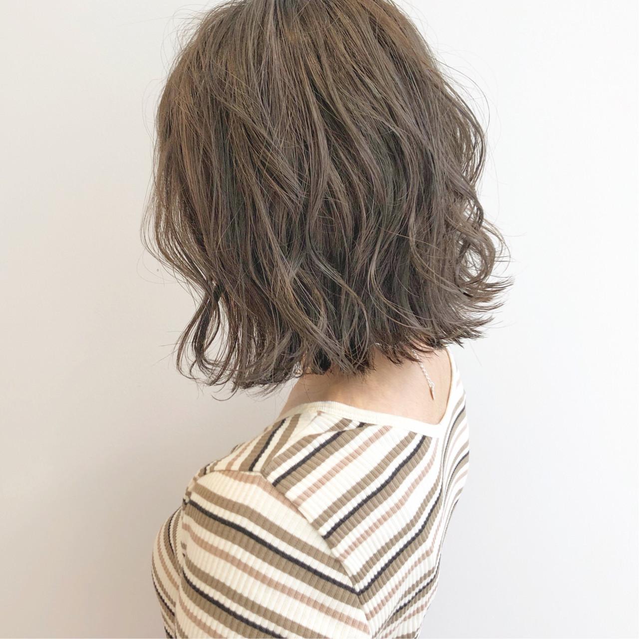 デート ボブ ナチュラル オフィス ヘアスタイルや髪型の写真・画像 | 『ボブ美容師』永田邦彦 表参道 / send by HAIR