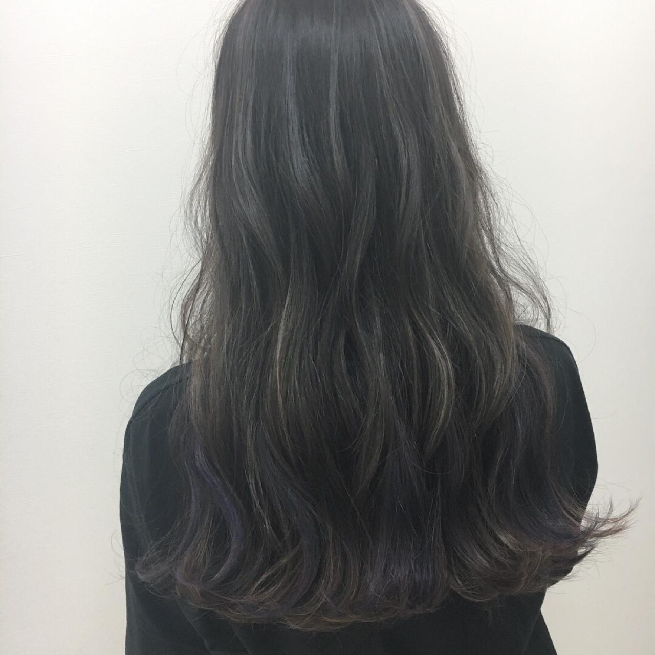 インナーカラー ロング アンニュイ 大人かわいい ヘアスタイルや髪型の写真・画像 | Yuuta Asato / Moana by HEADLIGHT 沖縄東崎店