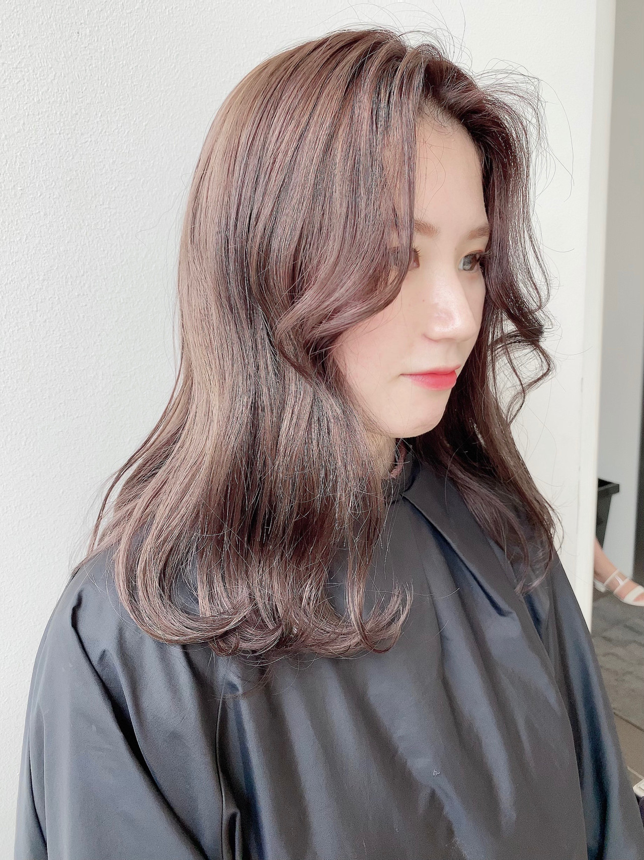韓国 アッシュグレージュ グレージュ エレガント ヘアスタイルや髪型の写真・画像