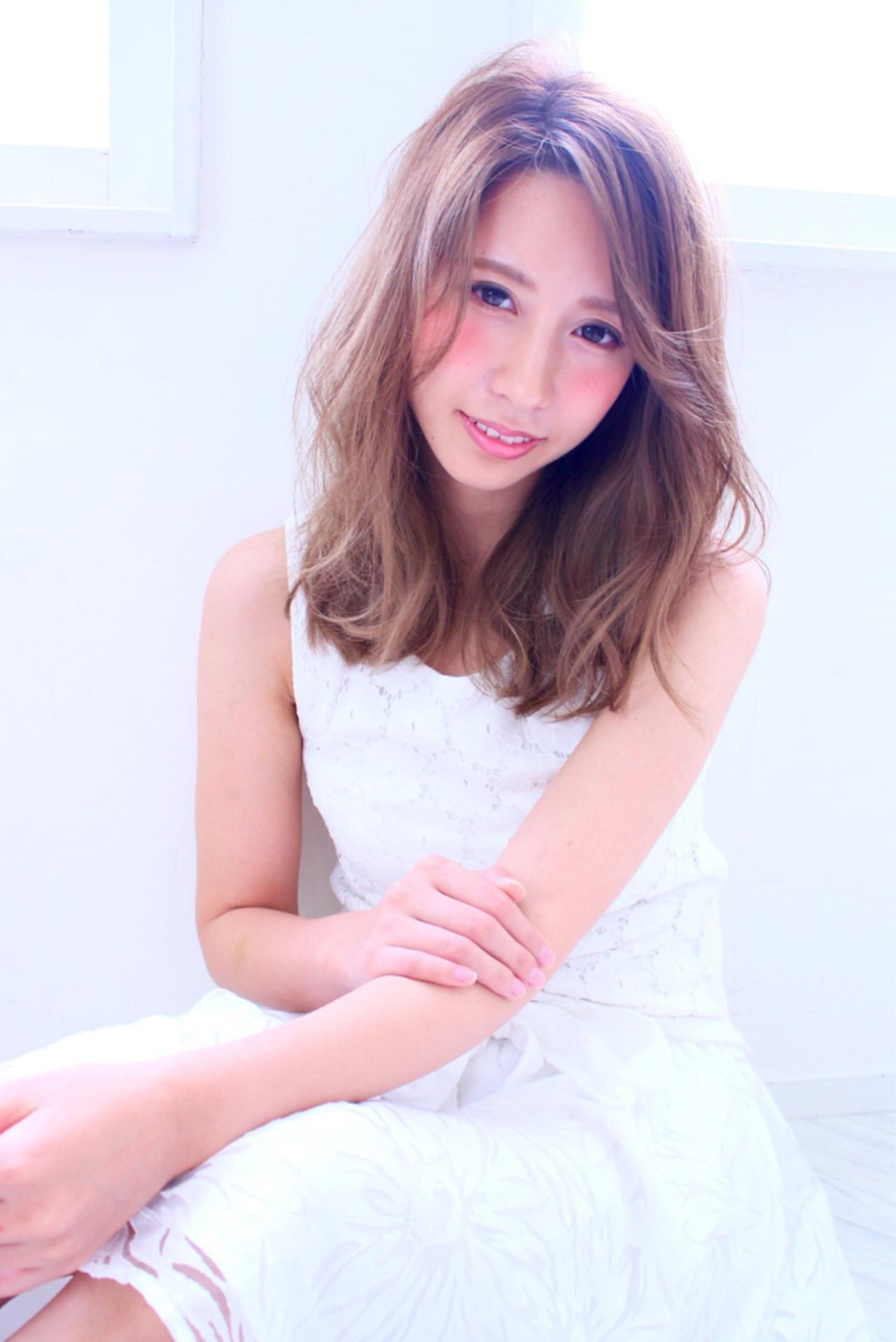 大人かわいい 外国人風 ガーリー ゆるふわ ヘアスタイルや髪型の写真・画像 | 西川 智史 / ウノプリール 京橋店